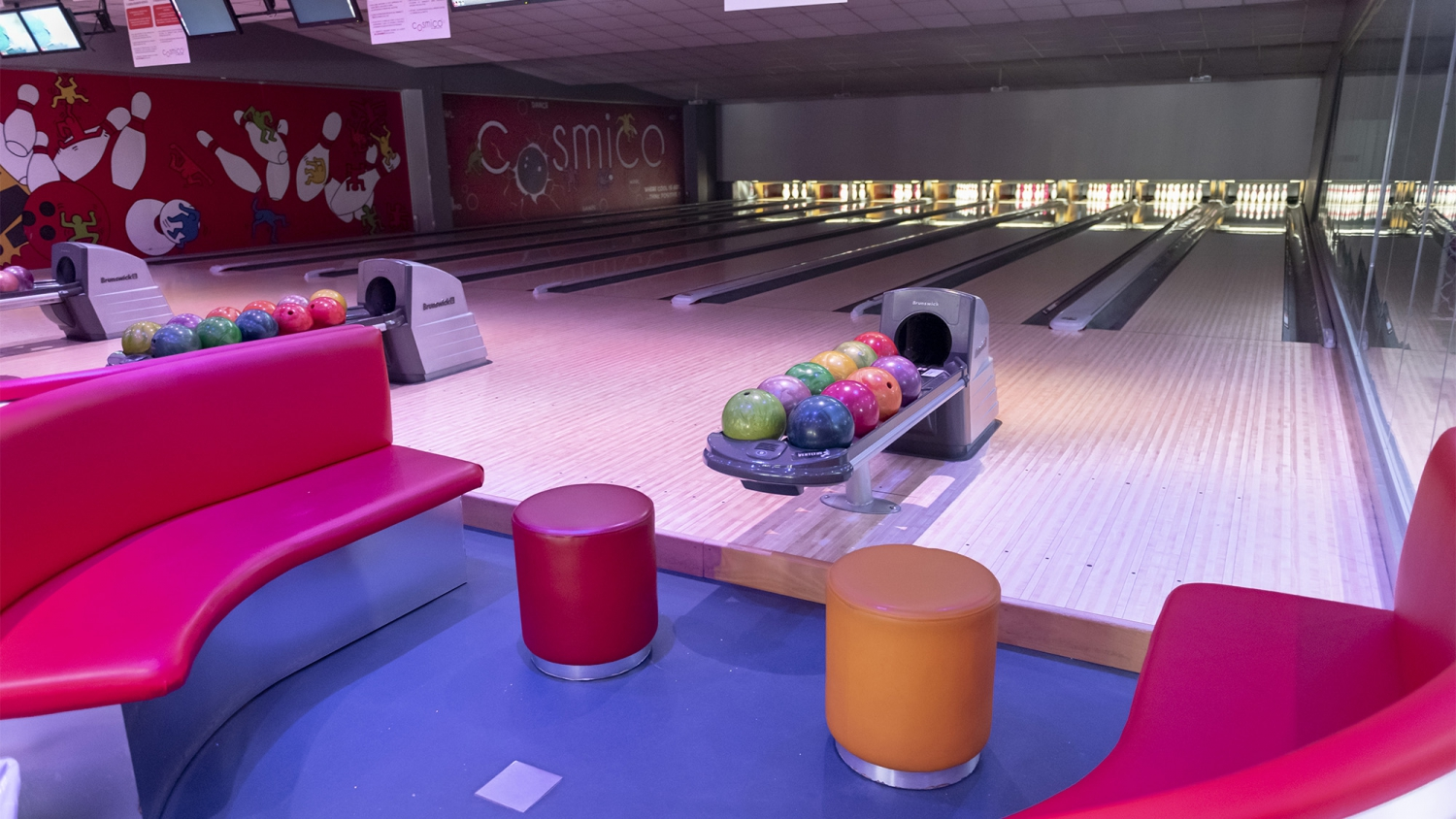 Cosmico Bowling